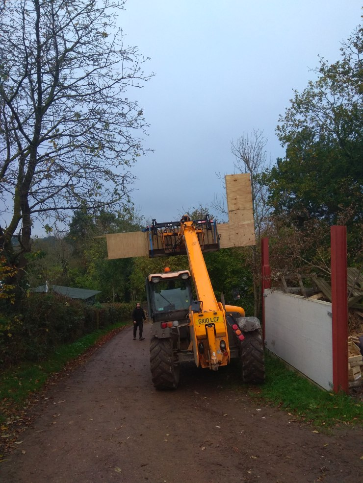 JCB Moving Wall Plate